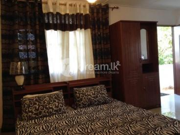 Holidayhomes available-Furnished AC/Fan Individual rooms with Kitchen, Studio rooms, Aparment,Annex
