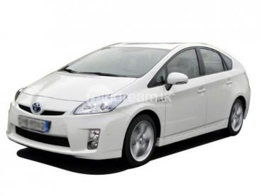 Toyota Prius Car with experinced driver