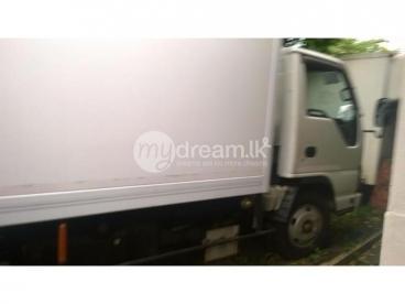 Isuzu Elf truck for Sale or rent
