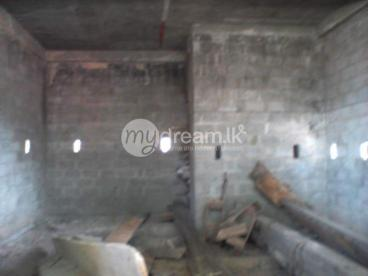 3 shops for rent in hendala