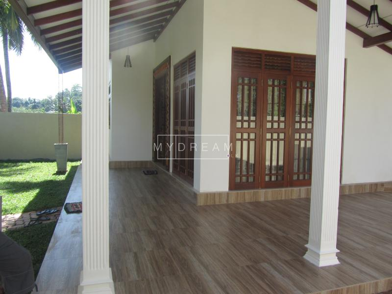 Houses Apartments For Sale House For Sale In Welivita