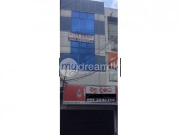 3 story building to rent in Galle Olcott Mawatha