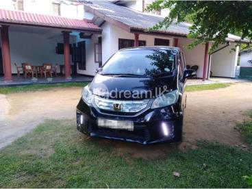 Honda Freed Hybrid 2014