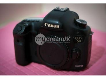 Canon 5d mark iii [ body only ]