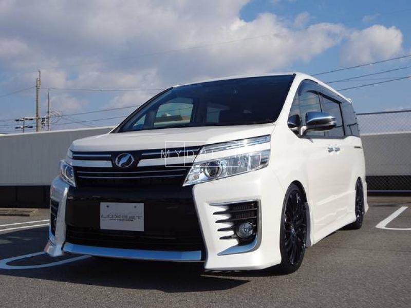 Toyota VOXY X-Grade 2015