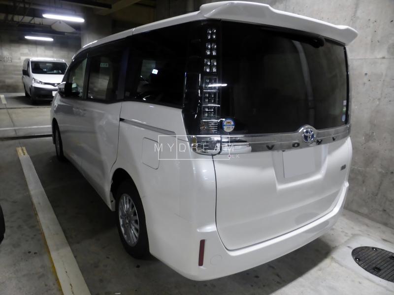 Cars Suvs Toyota Voxy X Grade 2015 Nugegoda Mydream Lk