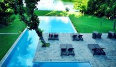 Roman Lake Honeymoon Hotel